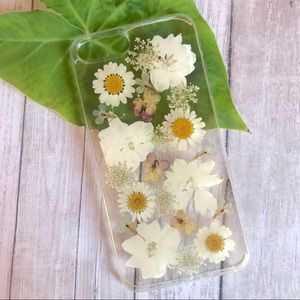 BRAND NEW IPHONE 7/8 PLUS case with pressed flower
